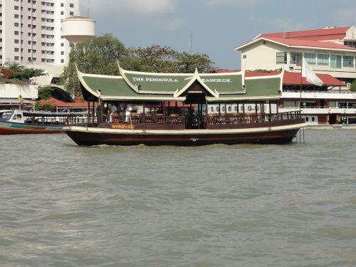 ペニンシュラの船