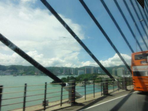 結構な吊り橋