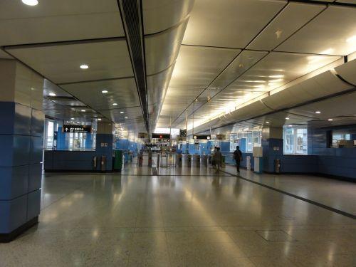 MTR オリンピック駅