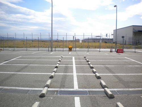 駐車場から