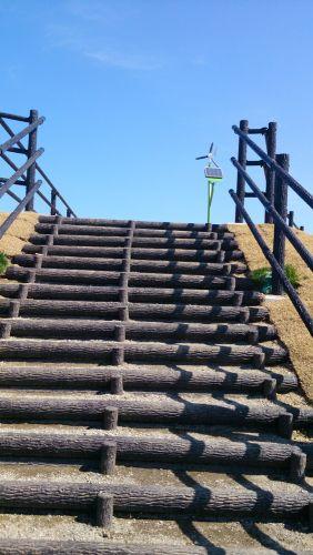 階段あがる