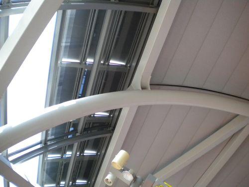 見慣れた関空の屋根