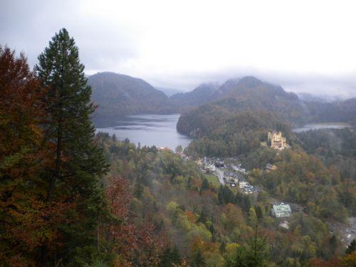 城と町と湖と