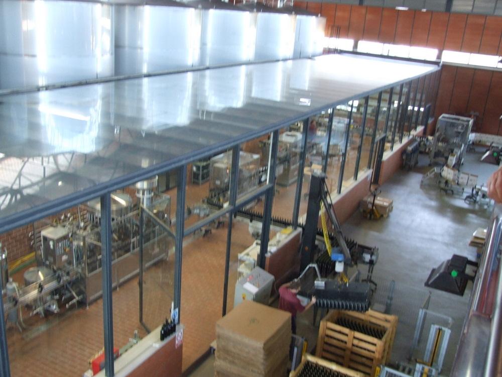 ビン詰め工場